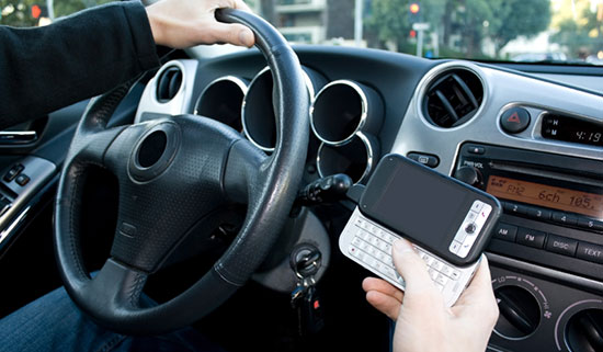 teens text while driving